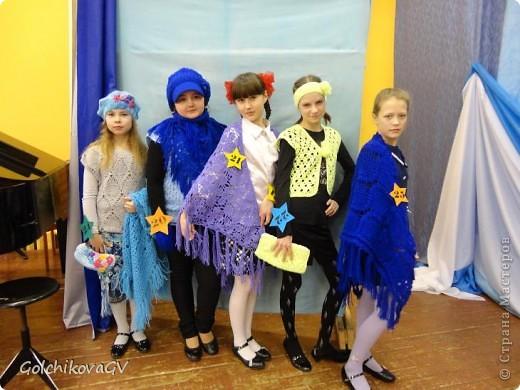 """В этом году мы опять приняли участие в конкурсе """"Леди стиль"""", девчонки стали старше (уже пятиклассницы), и работы стали серьезнее. Это фото перед конкурсом. фото 1"""