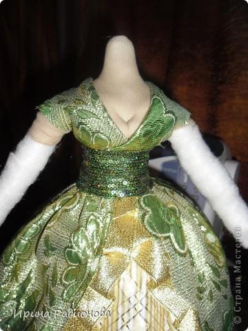 долго вынашивала идею  создания этой куклы , и вот наконец-то свершилось. Сразу хочу извиниться за то что мастер-класс не совсем подробный. не было возможности все запечатлеть. Высота куклы где-то  60 см.  фото 10