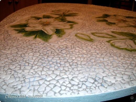 Это первая моя работа с крокелюром из яичной скорлупы.Декор старого журнального стола,побоялась клеить салфетки на скорлупу))) фото 1