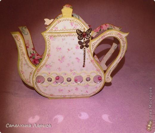 """Доброго времени суток ВСЕМ!!! Сегодня я снова со своим """"заболеванием"""" - чайничком, но в новом качестве. Чай родители в пакетиках не пьют, поэтому сделала салфетницу. Мой маленький подарочек для любимой мамочки!  фото 7"""