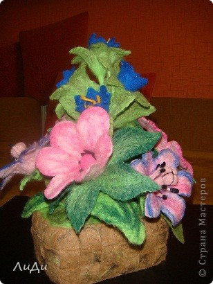 Валяная корзина с цветами фото 2
