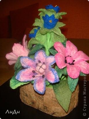 Валяная корзина с цветами фото 3