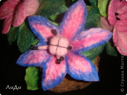 Валяная корзина с цветами фото 5
