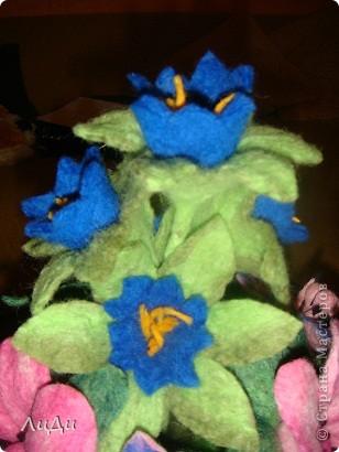 Валяная корзина с цветами фото 6