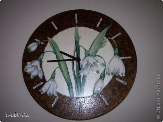 Очередная порция работ, сделаных за последнее время. Часы на виниловой пластинке, многослойный фон, бутоны цветов слегка объемные, обозначение времени - фацетный лак. фото 1