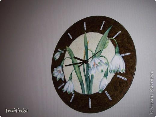 Очередная порция работ, сделаных за последнее время. Часы на виниловой пластинке, многослойный фон, бутоны цветов слегка объемные, обозначение времени - фацетный лак. фото 2