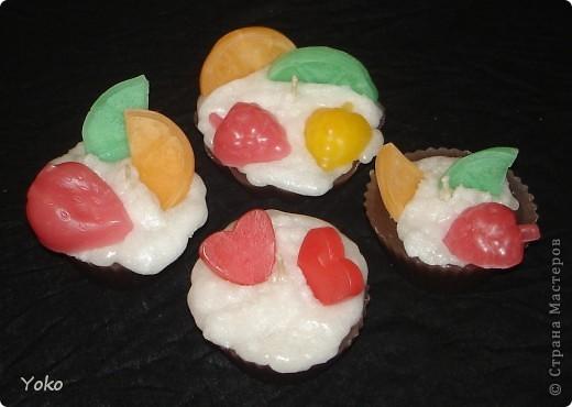Давно я не появлялась и пришла с новыми свечами: давно хотела сделать пироженки. И как всегда фотоотчет по ходу работы. Начнем фото 1