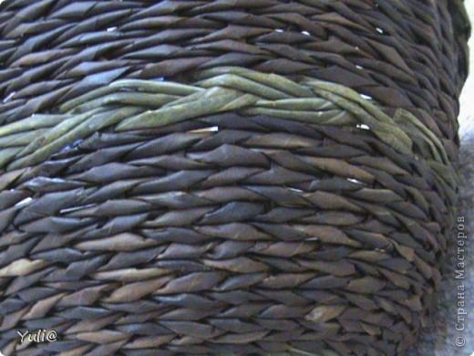 вообще то,это должна была быть хлебница...Но в процессе плетения я поняла,что крышка получается слишком большой(d-30 см,и h-15 см).Не стала приплетать ручку, и плести к ней подносик.Оставила служить корзинкой.Девочки! Подскажите,может я и не права?! Может не такая она уж и большая?! Кто плёл хлебницы,каких они размеров? фото 3