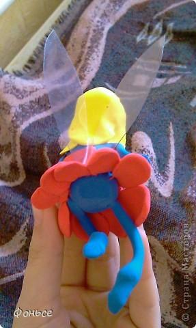 Вчера слепилась фея =))) Маленькая, миниатюрная куколка с прозрачными крылышками, зелёными глазами, золотыми волосами и стройными ножками... Итак, представляю вам Ангелину! фото 10