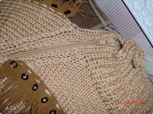 Бахрома шикарная, я так поняла настоящая замша, под нее вязала свитер. Мой первый реглан. фото 2