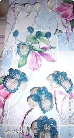 """Наконец закончила орхидею!!!Насмотрелась в нашей стране орхидей и решилась!!!Вдохновила меня работа Евгении""""Мысли"""",ее ирисы,начала делать ирисы и передумала,цвет неподходящий бисера и решилась на орхидею!!Вот что получилось.Я результатом очень довольна!!!Спасибо Евгении за вдохновение!!!Выставляю на Ваш суд !!! фото 12"""