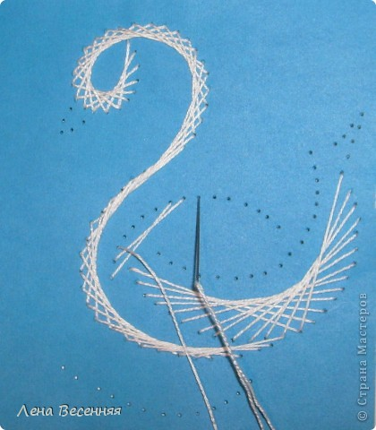 Доброго времени суток дорогие жители СМ!!! Предлагаю вашему вниманию мои схемы пары лебедей. Они очень простые и на них можно учиться освоению изонити. По 1 схеме небольшой МК.  Коротко о символике лебедей. Почитание лебедей имеет очень древние корни. Их образ у наших далёких предков часто связывался с солнцем, лебеди сопровождали Бога Солнца, влекли солнечное колесо.  С символикой лебедя связан бог Брахма. Лебедь или гусь - его персональная эмблема. Это та самая волшебная птица, что отложила на воды космическое яйцо, из которого появился сам Брахма.  В греко-римской традиции эта птица - знак любвеобилия, связанная с Афродитой.  Германцы считали лебедей птицами, которые могут предсказывать будущее, полагали, что в них превращаются души юных дев. У древних племен Западной Европы лебединые божества тоже ассоциируются с солнечной колесницей и являются благодетелями людей, обладают целительными силами, символизируют щедрость, любовь и чистоту.  Китайцы также называют лебедя солнечной птицей. У бурят он является олицетворением вечного материнства. У славян лебединая пара - воплощение супружеской верности, красоты, мужества, храбрости. Казахи называют лебедя царём птиц, кеты считают вестником весны и тепла.  В христианстве белый лебедь - это чистота, милосердие и символ Девы Марии.   фото 16