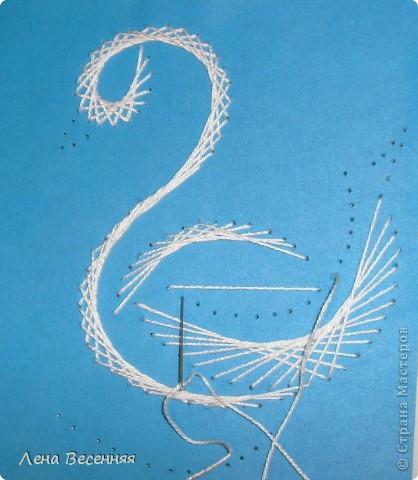Доброго времени суток дорогие жители СМ!!! Предлагаю вашему вниманию мои схемы пары лебедей. Они очень простые и на них можно учиться освоению изонити. По 1 схеме небольшой МК.  Коротко о символике лебедей. Почитание лебедей имеет очень древние корни. Их образ у наших далёких предков часто связывался с солнцем, лебеди сопровождали Бога Солнца, влекли солнечное колесо.  С символикой лебедя связан бог Брахма. Лебедь или гусь - его персональная эмблема. Это та самая волшебная птица, что отложила на воды космическое яйцо, из которого появился сам Брахма.  В греко-римской традиции эта птица - знак любвеобилия, связанная с Афродитой.  Германцы считали лебедей птицами, которые могут предсказывать будущее, полагали, что в них превращаются души юных дев. У древних племен Западной Европы лебединые божества тоже ассоциируются с солнечной колесницей и являются благодетелями людей, обладают целительными силами, символизируют щедрость, любовь и чистоту.  Китайцы также называют лебедя солнечной птицей. У бурят он является олицетворением вечного материнства. У славян лебединая пара - воплощение супружеской верности, красоты, мужества, храбрости. Казахи называют лебедя царём птиц, кеты считают вестником весны и тепла.  В христианстве белый лебедь - это чистота, милосердие и символ Девы Марии.   фото 18