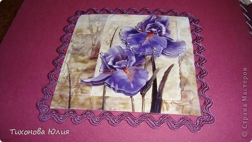 Ко дню рождения мамочки сделала в подарок фотоальбом из 8 разворотов.Размер обложки 23*23 см, листы 21*21 см Использовала бумагу для пастели, скрап бумагу, Обложку делала из бумаги для черчения А3 и упаковочной бумаги с розами. Для декора использовала 3D картинки (2 набора) и металлические подвески.  фото 12
