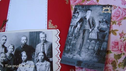 Ко дню рождения мамочки сделала в подарок фотоальбом из 8 разворотов.Размер обложки 23*23 см, листы 21*21 см Использовала бумагу для пастели, скрап бумагу, Обложку делала из бумаги для черчения А3 и упаковочной бумаги с розами. Для декора использовала 3D картинки (2 набора) и металлические подвески.  фото 30