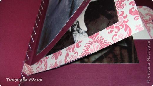 Ко дню рождения мамочки сделала в подарок фотоальбом из 8 разворотов.Размер обложки 23*23 см, листы 21*21 см Использовала бумагу для пастели, скрап бумагу, Обложку делала из бумаги для черчения А3 и упаковочной бумаги с розами. Для декора использовала 3D картинки (2 набора) и металлические подвески.  фото 13