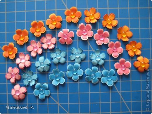 Приглашаю всех,(кому интересно) в мою рабочую ,,кухню,, Предлагаю вам рецепт ,,Цветы из дырокольных цветов,, фото 5