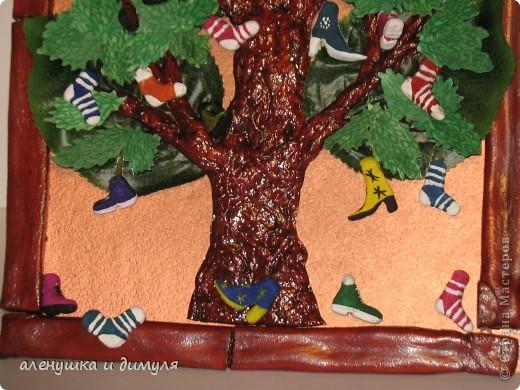 вот такое чудо -дерево по мотивам  стихотворения Чуковского, сделали мы с дочкой в школу. выражаю особенную благодарность Оксанке-Дилетантке за ее необыкновенную работу. НИЗКИЙ ПОКЛОН ЗА ТО, что делитесь своим мастерством.вот ссылка http://stranamasterov.ru/node/342964 фото 2