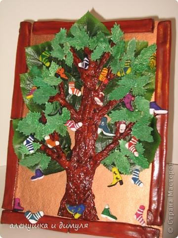 вот такое чудо -дерево по мотивам  стихотворения Чуковского, сделали мы с дочкой в школу. выражаю особенную благодарность Оксанке-Дилетантке за ее необыкновенную работу. НИЗКИЙ ПОКЛОН ЗА ТО, что делитесь своим мастерством.вот ссылка http://stranamasterov.ru/node/342964 фото 3