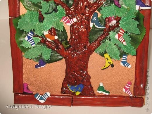 вот такое чудо -дерево по мотивам  стихотворения Чуковского, сделали мы с дочкой в школу. выражаю особенную благодарность Оксанке-Дилетантке за ее необыкновенную работу. НИЗКИЙ ПОКЛОН ЗА ТО, что делитесь своим мастерством.вот ссылка http://stranamasterov.ru/node/342964 фото 6