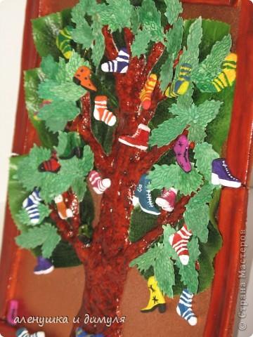 вот такое чудо -дерево по мотивам  стихотворения Чуковского, сделали мы с дочкой в школу. выражаю особенную благодарность Оксанке-Дилетантке за ее необыкновенную работу. НИЗКИЙ ПОКЛОН ЗА ТО, что делитесь своим мастерством.вот ссылка http://stranamasterov.ru/node/342964 фото 9