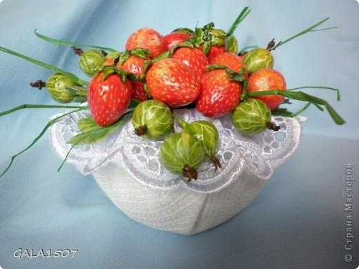 Здравствуйте мои дорогие!!!!!!!!!!! Сегодня я к вам с весенне-летним настроением. Хочу поделиться ароматом и сладко-кислым вкусом ягод и блаженством шоколада, всё-таки многие его уважают! Приятного вам аппетитного просмотра!!!!!!!!!!!!!!!!!!!!! фото 2