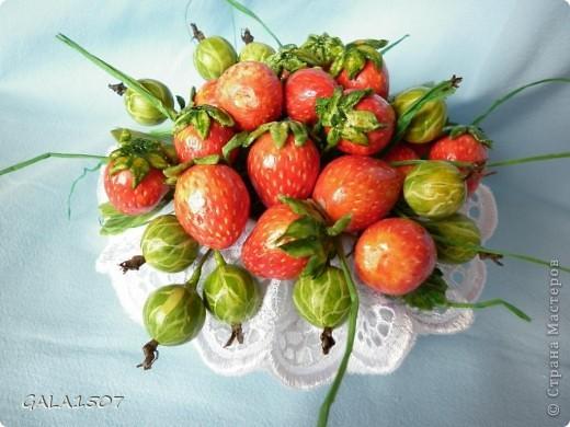 Здравствуйте мои дорогие!!!!!!!!!!! Сегодня я к вам с весенне-летним настроением. Хочу поделиться ароматом и сладко-кислым вкусом ягод и блаженством шоколада, всё-таки многие его уважают! Приятного вам аппетитного просмотра!!!!!!!!!!!!!!!!!!!!! фото 10
