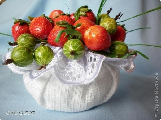Здравствуйте мои дорогие!!!!!!!!!!! Сегодня я к вам с весенне-летним настроением. Хочу поделиться ароматом и сладко-кислым вкусом ягод и блаженством шоколада, всё-таки многие его уважают! Приятного вам аппетитного просмотра!!!!!!!!!!!!!!!!!!!!! фото 9