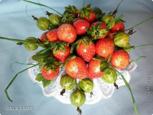 Здравствуйте мои дорогие!!!!!!!!!!! Сегодня я к вам с весенне-летним настроением. Хочу поделиться ароматом и сладко-кислым вкусом ягод и блаженством шоколада, всё-таки многие его уважают! Приятного вам аппетитного просмотра!!!!!!!!!!!!!!!!!!!!! фото 3