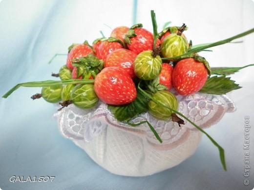 Здравствуйте мои дорогие!!!!!!!!!!! Сегодня я к вам с весенне-летним настроением. Хочу поделиться ароматом и сладко-кислым вкусом ягод и блаженством шоколада, всё-таки многие его уважают! Приятного вам аппетитного просмотра!!!!!!!!!!!!!!!!!!!!! фото 4