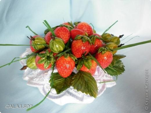 Здравствуйте мои дорогие!!!!!!!!!!! Сегодня я к вам с весенне-летним настроением. Хочу поделиться ароматом и сладко-кислым вкусом ягод и блаженством шоколада, всё-таки многие его уважают! Приятного вам аппетитного просмотра!!!!!!!!!!!!!!!!!!!!! фото 5