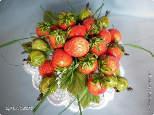 Здравствуйте мои дорогие!!!!!!!!!!! Сегодня я к вам с весенне-летним настроением. Хочу поделиться ароматом и сладко-кислым вкусом ягод и блаженством шоколада, всё-таки многие его уважают! Приятного вам аппетитного просмотра!!!!!!!!!!!!!!!!!!!!! фото 7