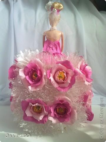 Доброго времени суток,дорогие мастерицы,наконец-то и у меня появилась конфетная кукла,делала ее дочке на день рождения,вот решила поделится с вами результатом моей деятельности))) фото 3