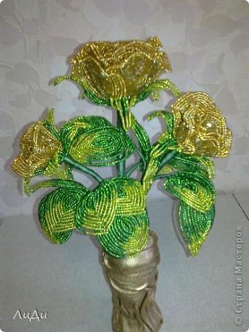 Золотые розы из биссера фото 1