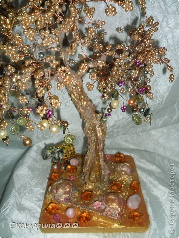 Доброго времени суток!!! Выношу на ваш суд жители СМ еще одно свое так сказать произведение! Подарок для подруги.... Денежное дерево с символом счастья- слоником!!! фото 2