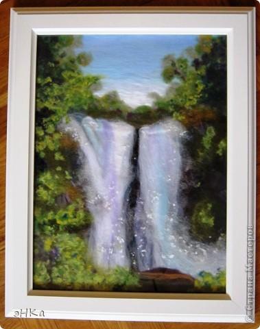 Удивительный лесной водопад я сделала на МК Татьяны Архиповой. Шла специально, чтобы попробовать сделать текущую воду, да и просто скучаю по шерсти. фото 1