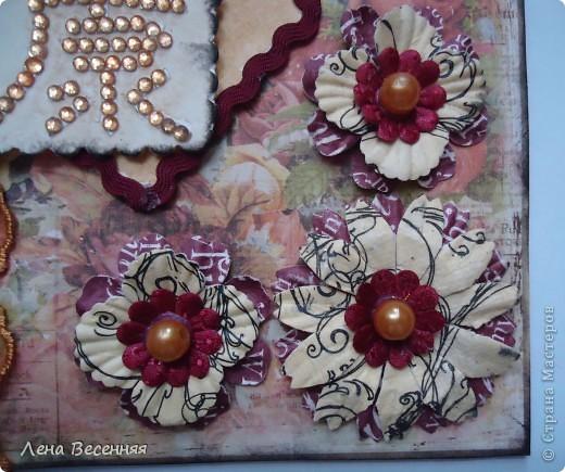 Всем Здравствуйте!!! Хочу показать открытки, которые сделала, на мой взгляд, из очень красивой бумаги для скрапбукинга. Из 1 листа бумаги получаются 2 совершенно разные открытки (на фото 1 и 5). Эту открытку подарила маме на День рождения. Цвет немного искажён.  фото 3