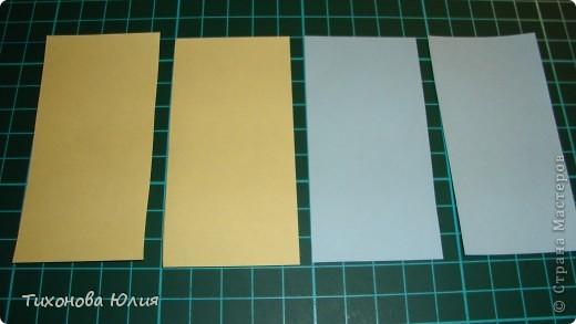 Так выглядит первый разворот альбома. Для работы понадобится 2 листа бумаги для пастели 21*21 см разных цветов. 8 фотографий 10*10см. Клей или узкий двусторонний скотч. фото 6