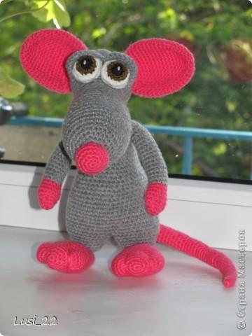 Теперь и у меня есть прелестный мышь. Я в него влюбилась. Наверног самая красивая из моих игрушек (скромная я ))) фото 1