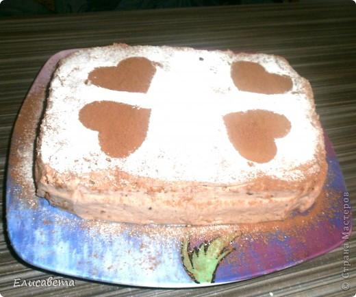Очень вкусный бисквитный тортик! И, что не мало важно, очень прост в приготовлении. Названия я не знаю, поэтому если у кого то есть идеи, буду благодарна! фото 18