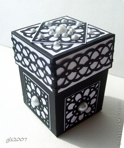 Идея и вдохновение от Korneliya Haralanova http://kornishonka-handmade.blogspot.com/search/label/magic%20boxes. Эти коробочки запали в душу и не отпускали :) фото 1