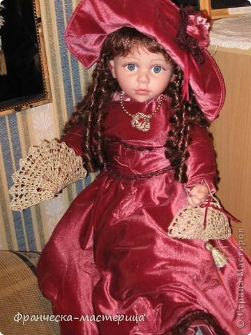 Костюм для куклы Вероники. Платье, подъюбник, фартук, пинетки. фото 4