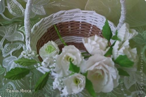 Здравствуйте,дорогие мастерицы.Выставляю на ваш суд мое новое увлечение-цветы из ткани.Корзиночку я уже выставляла,в прошлом она конфетница.Теперь она превратилась в корзиночку для моих цветочков. фото 4