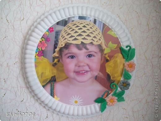 Такуф рамочку для фото я сделала из донышка от пластиковой коробки из-под торта. фото 6