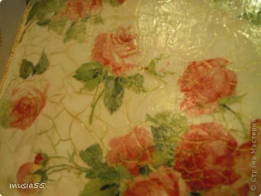 Вот такой появился у меня наборчик в стиле шебби-шик.Грунтовала, шлифовала,наклеивала салфетку,красила акрилом,зачищала после свечи-потертости,наносила состав Ckeall(1-й и 2-1 шаг),лачила и нанесла контур-точечки. фото 3