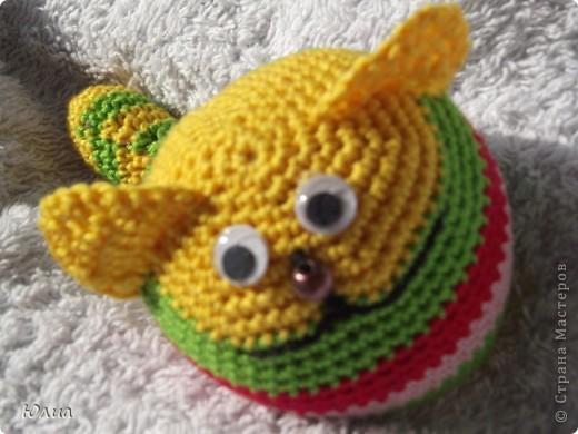 Добрый день, Мастерицы!!!!! Заразилась я тут новой болезнью! Вяжу игрушки крючком!!!! Про ленты, правда , не забываю - по-маленько вышиваю! Вот здесь увидела куклену http://luera-toy.blogspot.com/2012/03/blog-post_10.html И так уж она мне понравилась, что тут же села за вязание!  фото 5