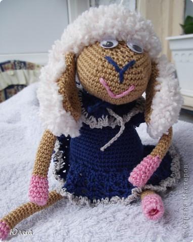 Добрый день, Мастерицы!!!!! Заразилась я тут новой болезнью! Вяжу игрушки крючком!!!! Про ленты, правда , не забываю - по-маленько вышиваю! Вот здесь увидела куклену http://luera-toy.blogspot.com/2012/03/blog-post_10.html И так уж она мне понравилась, что тут же села за вязание!  фото 10