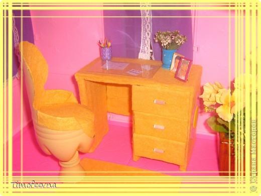 Здравствуйте!! В этом блоге я хочу показать небольшой МК очередной моей мебели из картона для куклы Барби младшей дочки. А именно процесс создания письменного стола. фото 1
