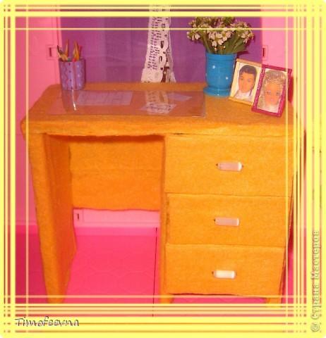 Здравствуйте!! В этом блоге я хочу показать небольшой МК очередной моей мебели из картона для куклы Барби младшей дочки. А именно процесс создания письменного стола. фото 2