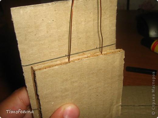 Здравствуйте!! В этом блоге я хочу показать небольшой МК очередной моей мебели из картона для куклы Барби младшей дочки. А именно процесс создания письменного стола. фото 10
